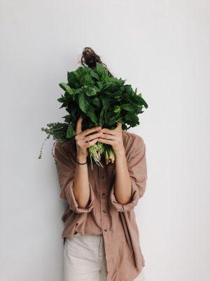 Dziewczyna z zieleniną - wegetarianizm po angielsku